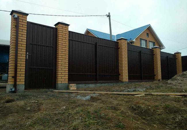 Ворота и забор из профнастила