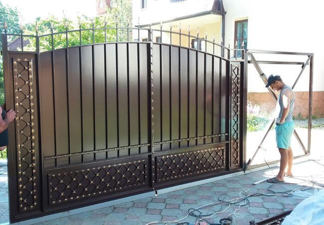 Установка кованных ворот