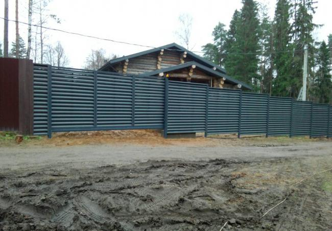 Забор из металического штакетника 40